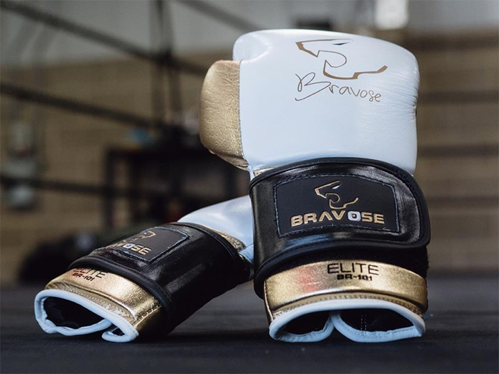 The pros and cons of leather versus synthetic boxing gloves